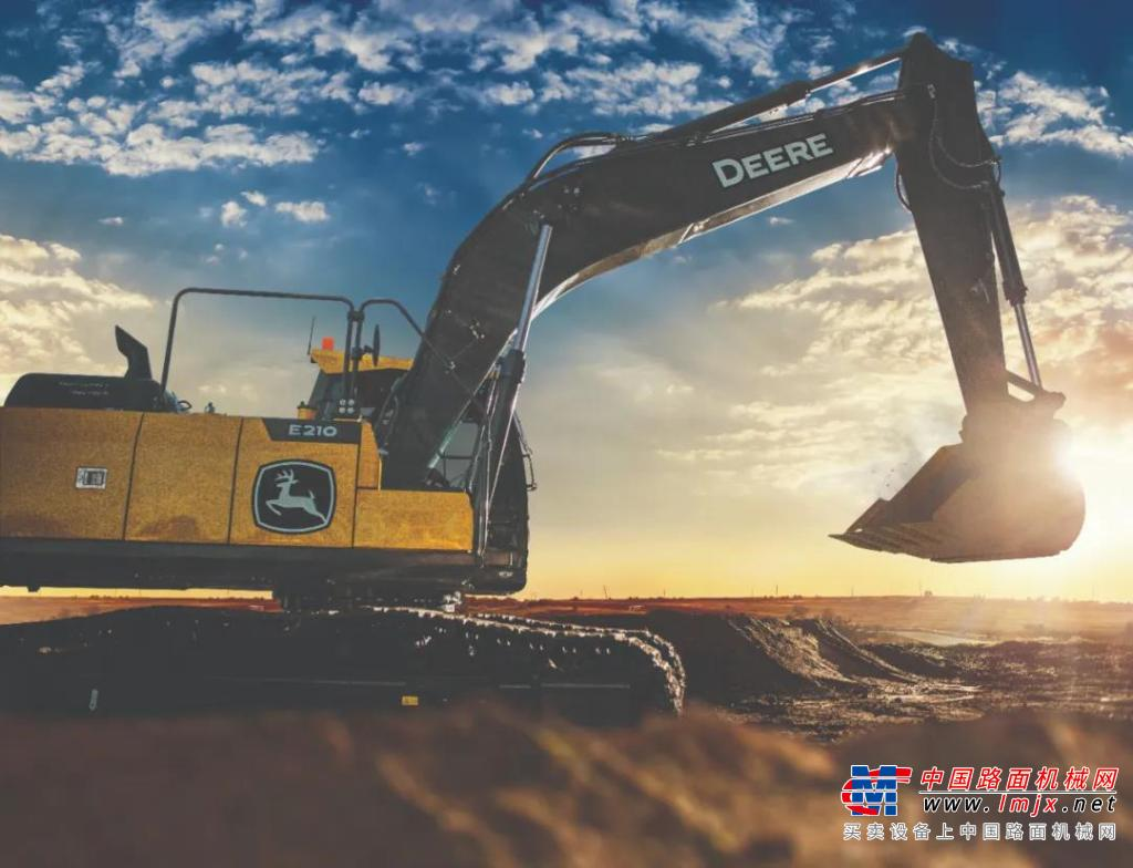 约翰迪尔:开挖掘机要注意哪些方面?挖掘机施工安全知识10条
