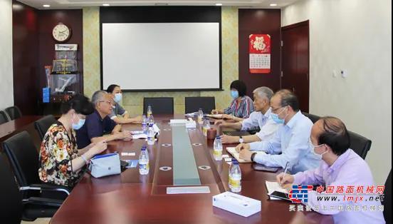 中国机床工具工业协会执行副理事长兼秘书长王黎明一行来协会洽谈租赁展合作