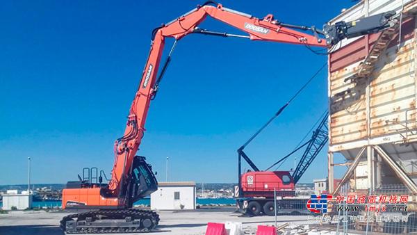【海外新品】斗山新型大范圍拆卸挖掘機 專為拆卸應用而生