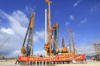 深鸿基-德国宝峨-功臣狮合作深圳签约,宝峨加强版BG 38旋挖钻机LNG项目交付用户