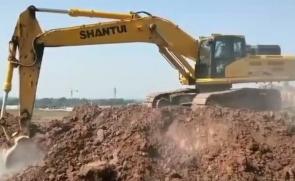 山推挖掘机 470施工视频