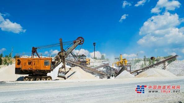 2020年基建砂石需求大,投资移动制砂机前景怎么样?