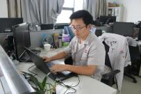华菱星马:在集体中实现个人价值 ——记新能源汽车项目优秀共产党员胡永柱