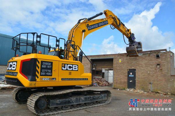 新型JCB X系列车型的拆解承包商称赞