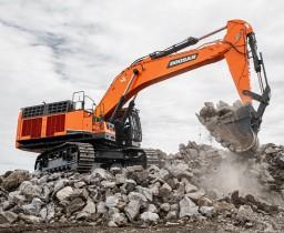 斗山DX800LC-7大型挖掘机交付欧洲首位客户