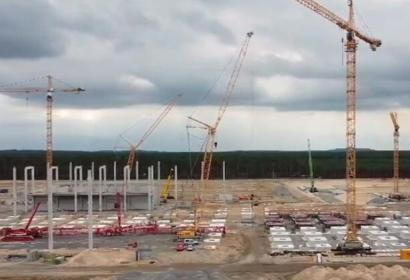 建设特斯拉工厂,各种工程亚搏直播视频app都在忙碌