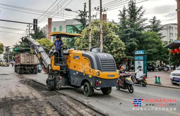安排!徐工XM1005H铣刨机郑州市政首秀获赞