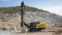 【海外新品】小松推出用于采石场作业的ZT44履带式钻机