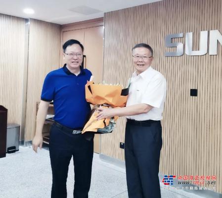 中南大學機電工程學院肖來榮書記到訪山河智能