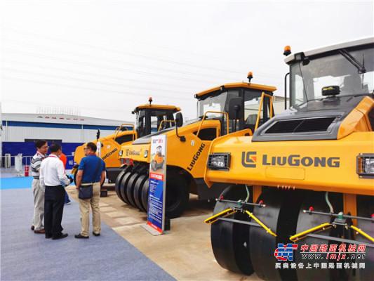 驭东风  柳工路机向全球卓越的道路机械品牌迈进!