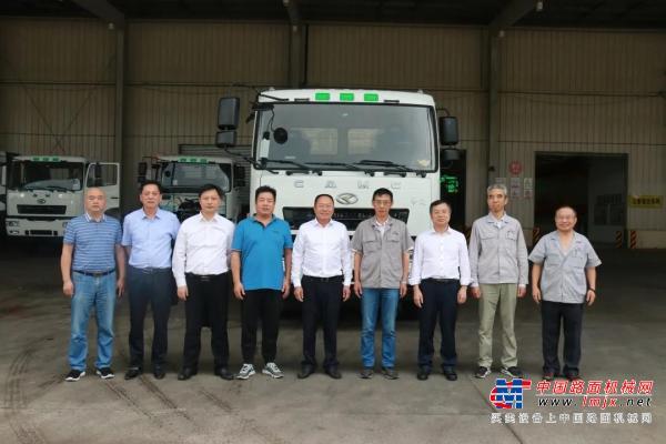 衡阳市人民政府原副市长胡水龙一行到华菱星马考察交流