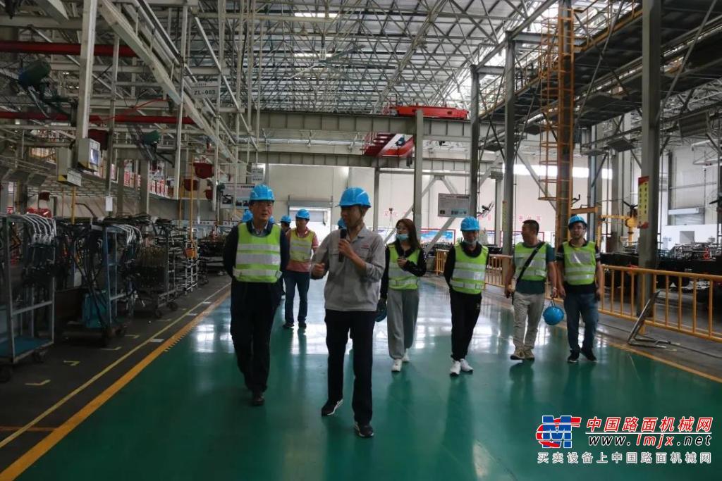 北京市标杆混凝土企业代表走进华菱星马参观交流