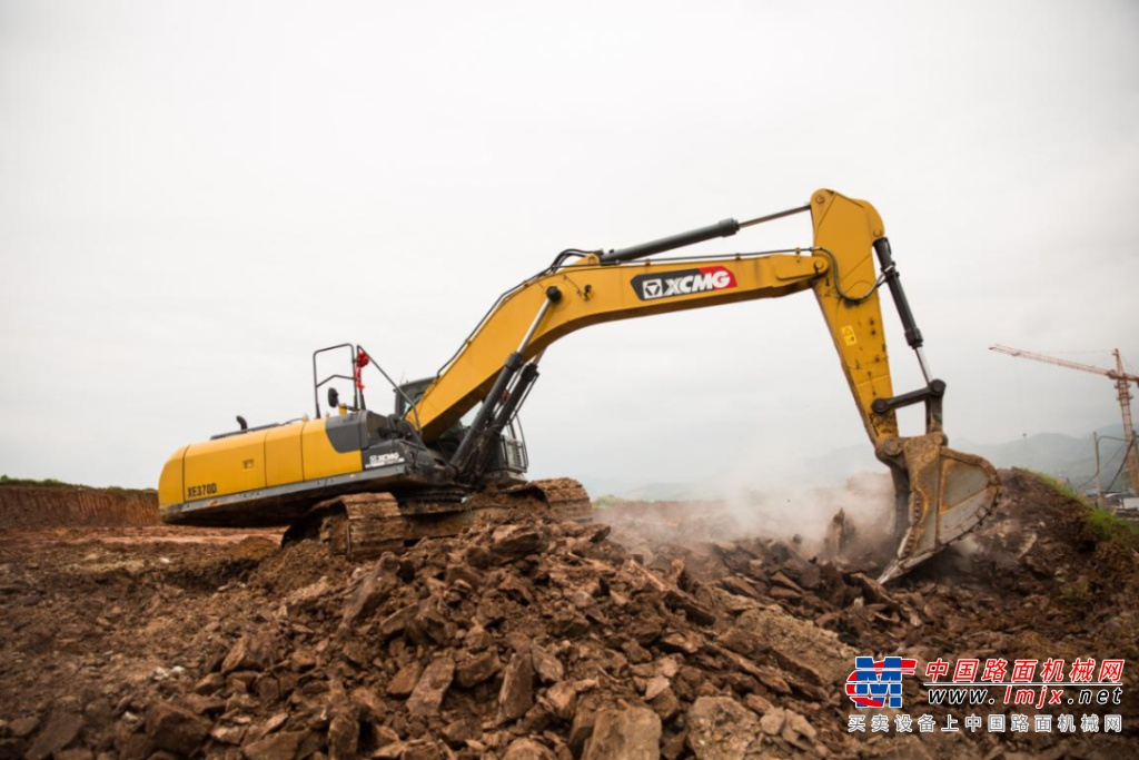 用徐工挖掘机接工程,我有底气!