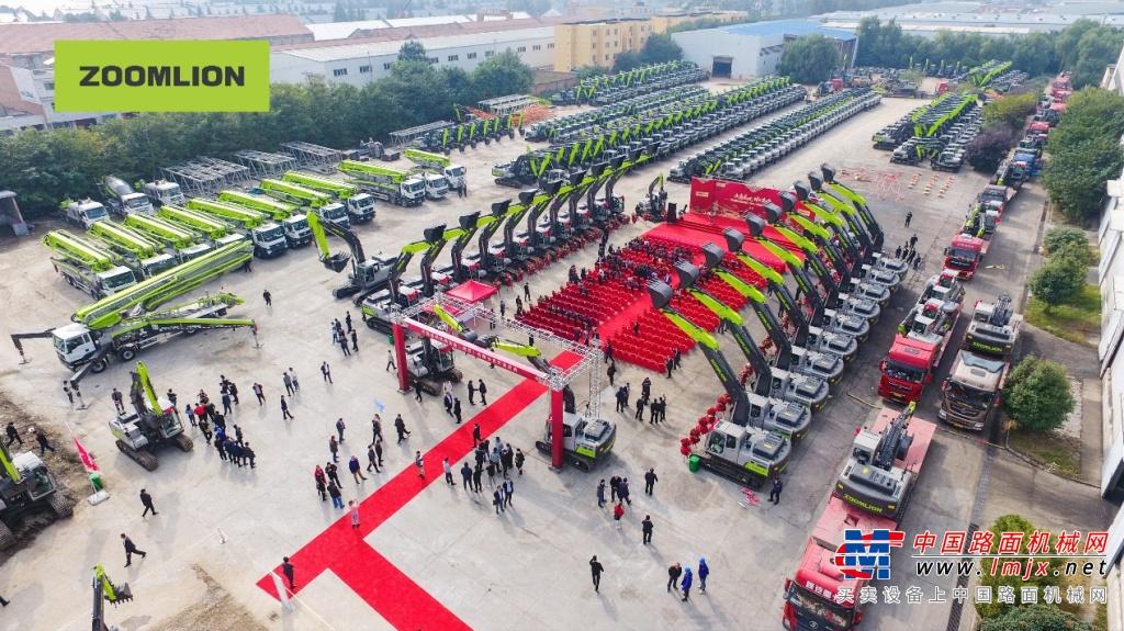 西北市场创新篇丨中联重科土方机械落子西安 开业首日斩获超百台订单
