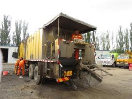 临河绕城公路养护管理所提前做好冬季机械设备维修保养工作