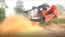 湖南省举行森林火灾应急演练 中联重科全球首款森林隔离带开辟车亮相