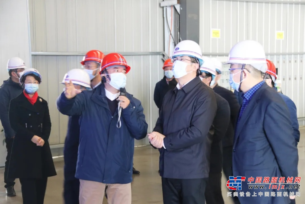 芜湖市委副书记、市长单向前莅临中集瑞江调研慰问