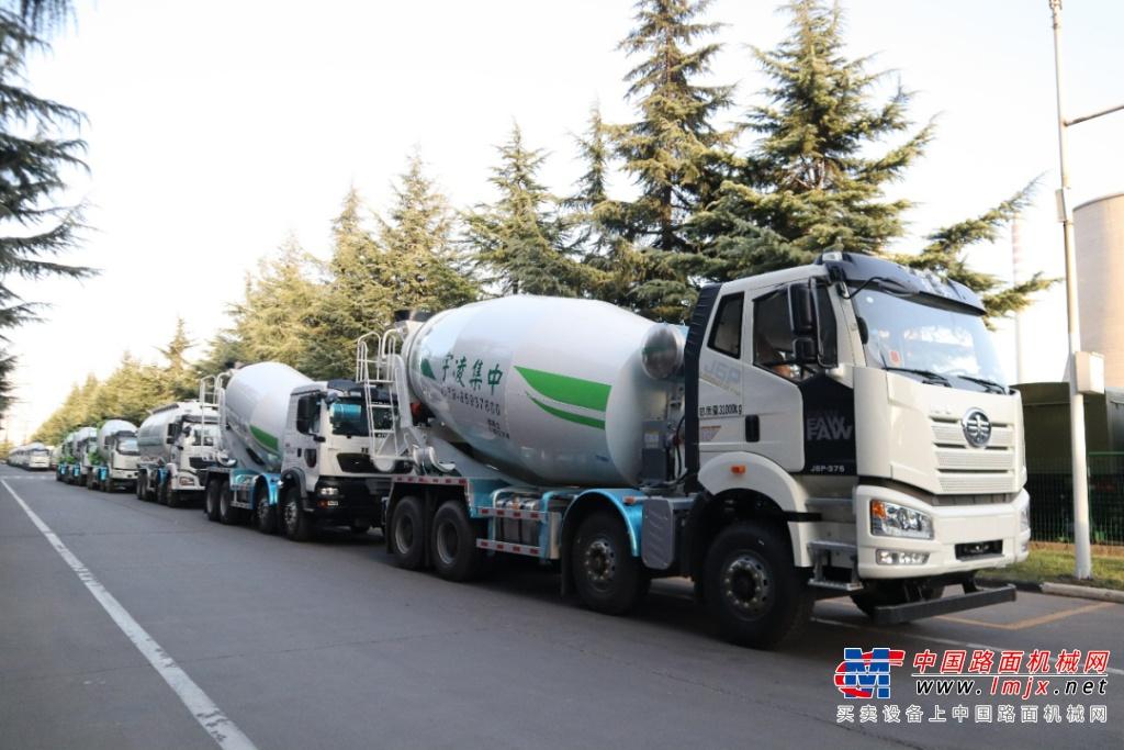 发车丨阳春三月下华南,老客户一次性订购凌宇汽车120台!