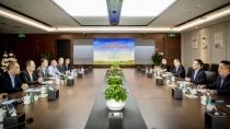 沃尔沃建筑设备中国销售大区总裁一行拜候华润水泥