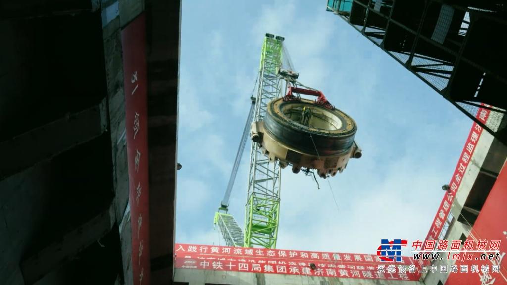 【王者风范】中联重科履带吊在黄河隧道与桥梁建设中大显神威