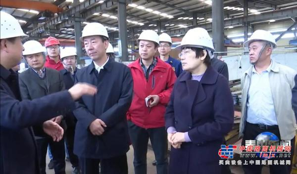 泰山區領導王愛新、張培峰蒞臨岳首現場調研安全生產工作