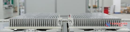 四车齐发,佩刀安天下-比亚迪宣布纯电全系搭载刀片电池