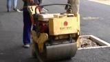 路得威 RWYL22 小型高配置手推式单钢轮压路机施工视频