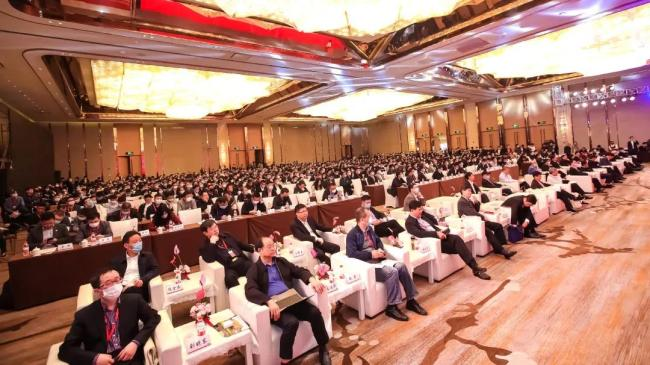 中国公路学会养护与管理分会学术年会:英达公路医生惊艳全场!