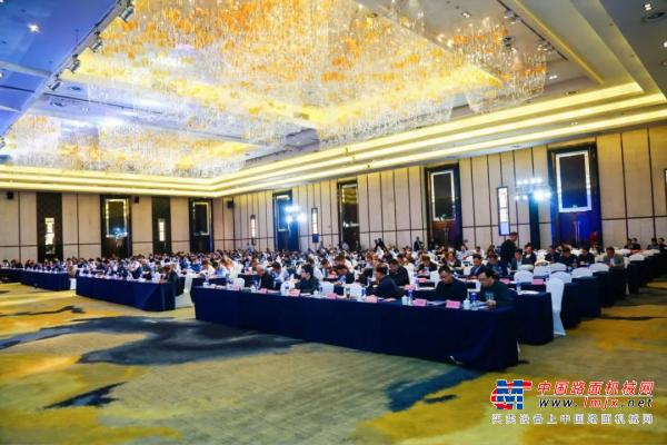 会议资讯 | 群峰出席2020固废资源化年会,荣获两项殊荣