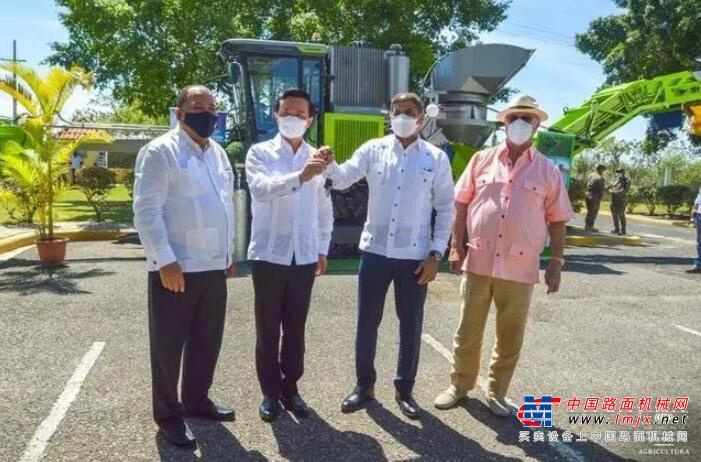 跨国礼物请查收!湖南向多米尼加捐赠中联重科甘蔗收获机正式交付