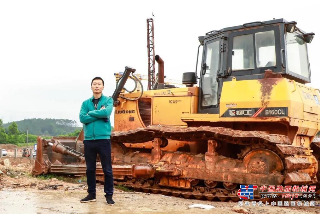 三年连买9台柳工推土机,广西南宁许老板直呼相见恨晚!
