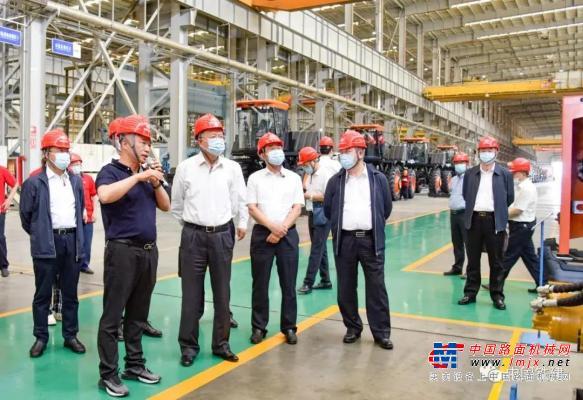 中国铁建党委书记、董事长汪建平到铁建重工新疆公司调研