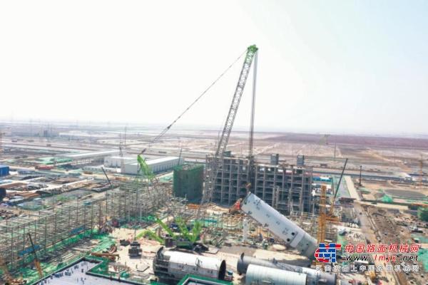 """首战告捷!中联重科超大吨位履带吊ZCC32000助建""""超级石化工程"""""""