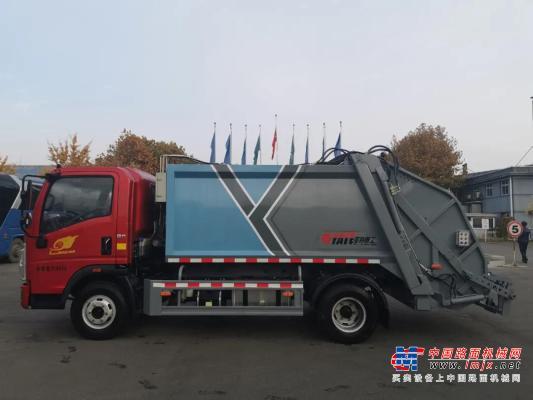 亞特重工壓縮式垃圾車——垃圾桶清運大力士