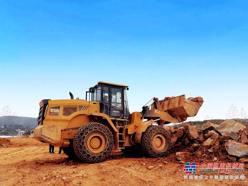 高效智能  为矿山而生的三一SW966K重载装载机