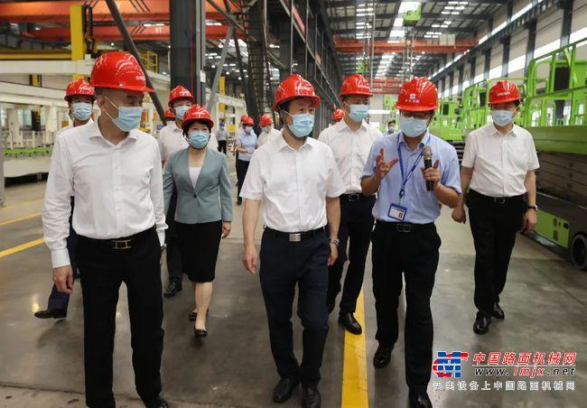 """长沙加快打造世界级工程机械产业集群 为实施""""三高四新""""战略注入强劲动能"""