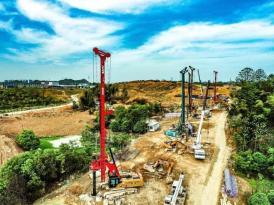 刘鹤:适度超前进行基础设施建设