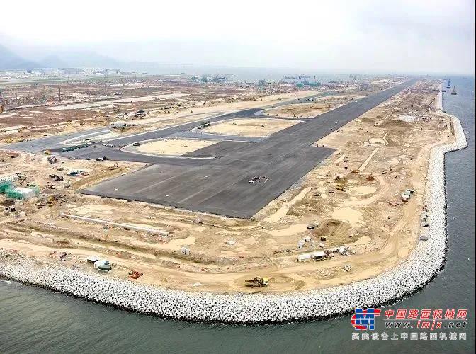 从繁荣飞向更繁荣! 三一路机助力香港国际机场建设!