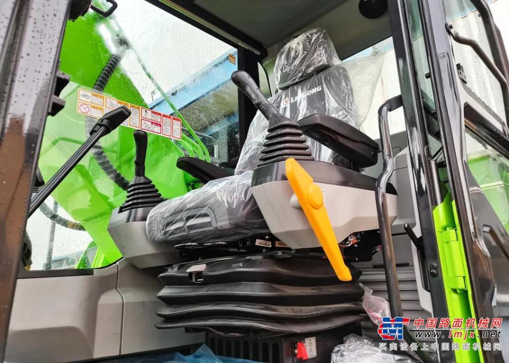 高德包装机械产品资讯全新柳工电动挖掘机,绿装着身展飒爽英姿,电力十足!