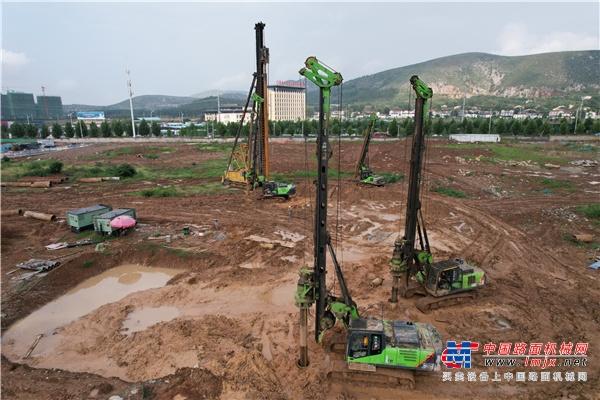 高德包装机械产品资讯无锡泰恒多台中小旋挖助力萧县城市建设
