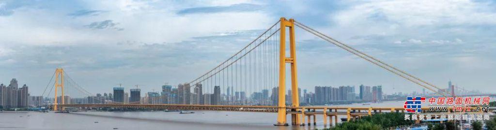 """柳工欧维姆""""超级钢缆""""吊起世界跨度最大双层公路悬索桥"""