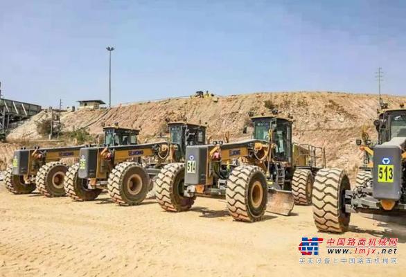 远征海外,徐工GR3505矿用平地机助力刚果露天矿开采