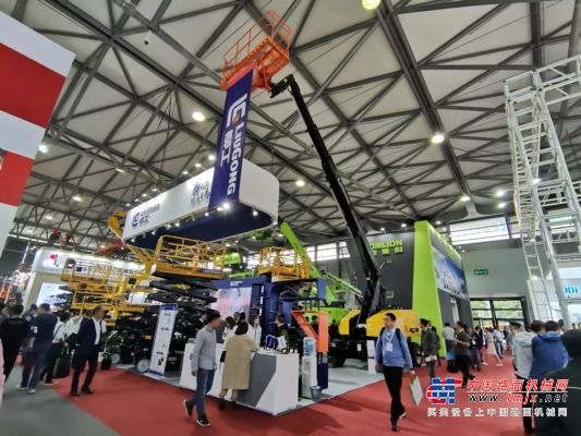 APEX ASIA | 首日签约5000万,柳工D系列高空作业设备新品正式发布