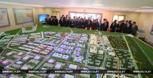 国家副主席王岐山访问中白工业园,新筑奥威超级电容亮相展示并作汇报