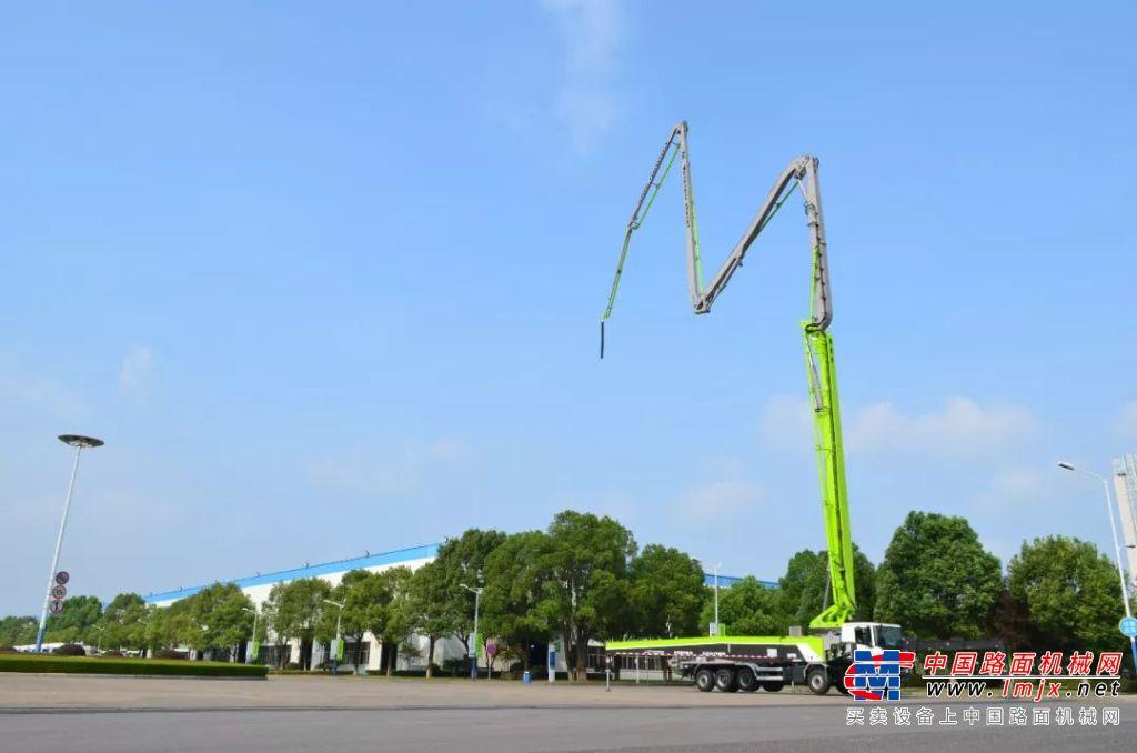"""被誉为""""泵车轻量化标杆""""的中联5桥67米泵车有哪些新亮点?"""