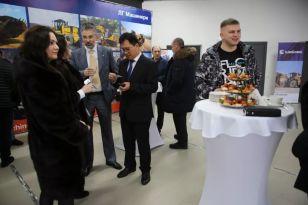 新网点开业!柳工4140除雪平地机深受俄罗斯客户青睐