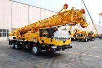 铺路架桥哪家强?徐工25吨起重机超强组合开工忙!