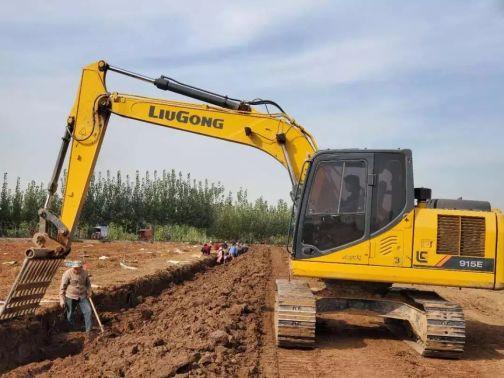 又是一年山药时,柳工挖掘机好帮手!
