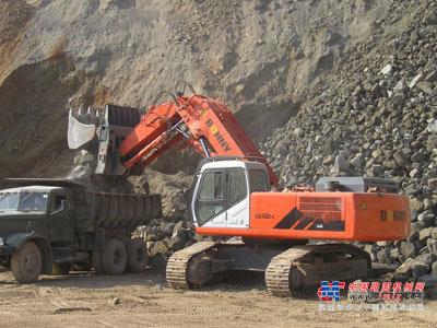 邦立大型挖掘机推荐,邦立CE420-7正铲液压挖掘机全解