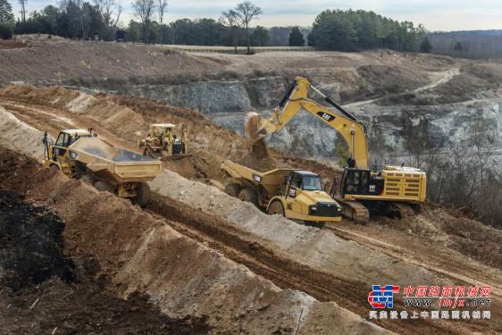 卡特特大型挖掘机推荐,卡特彼勒374F L液压挖掘机全解